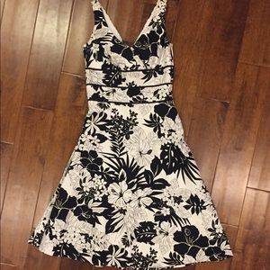 WHBM floral faux wrap crossover dress size 0 XS
